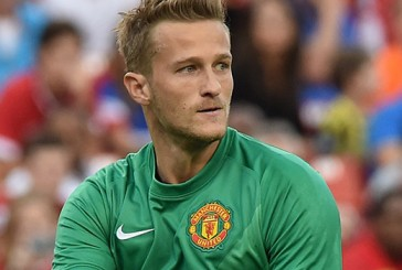 Anders Lindegaard may yet be offered new Manchester United contract