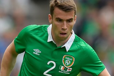 Manchester United offer Jonny Evans for Everton's Seamus Coleman