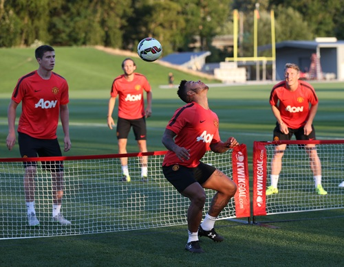 Manchester-united-training-seattle1-