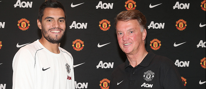 Manchester United fans have mixed emotions to Sergio Romero signing