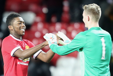 RoShaun Williams and Zach Dearnley sign Manchester United contracts