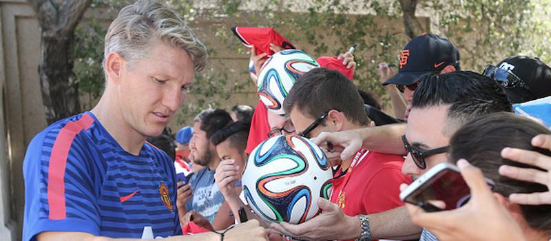 Bastian Schweinsteiger back in Manchester United training after his injury