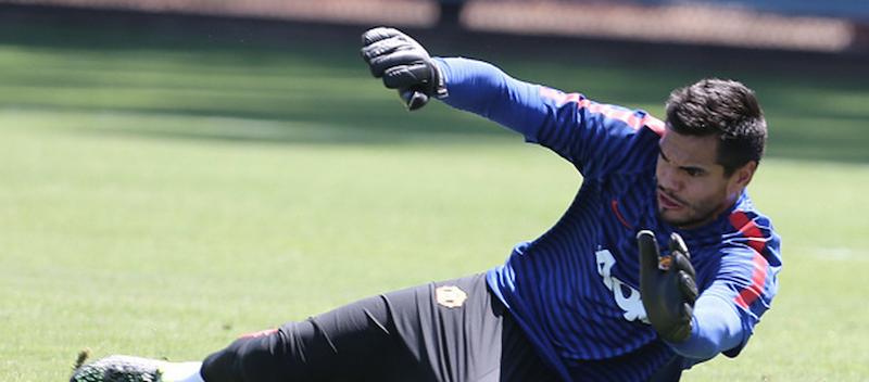 Sergio Romero enjoys superb debut against Tottenham Hotspur