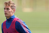 Varela scores class goal for Man United U21s
