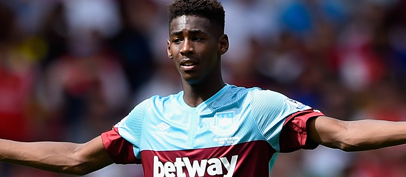 Manchester United tried to sign West Ham United's Reece Oxford last season