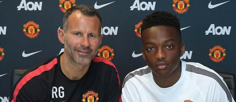 Matthew Willock signs new Manchester United contract