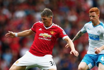 Van Gaal faces tough choice between Schweinsteiger and Carrick