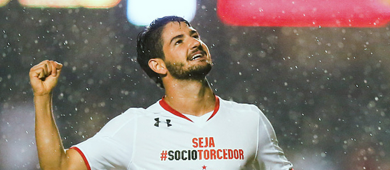 Manchester United offered opportunity to sign Alexandre Pato