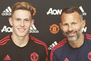 Manchester United recall Dean Henderson following injuries to David de Gea and Sam Johnstone