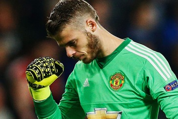 Manchester United duo David de Gea and Chris Smalling named in BBC Sport's Team of the Week