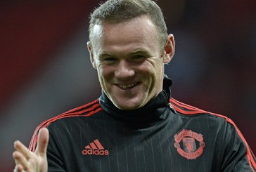 Manchester United captain Wayne Rooney congratulates Andreas Pereira after 'great' goal against Ipswich Town