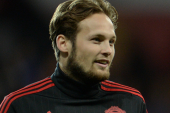 Man Utd's Blind keen to continue at centre-back