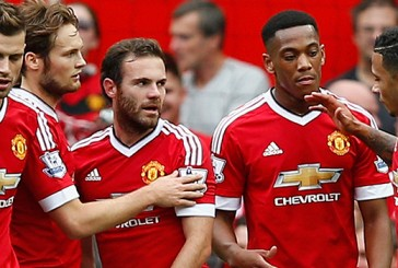 Jamie Carragher: Capital One Cup exit could benefit Manchester United