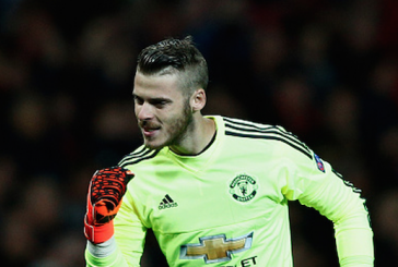 Louis van Gaal expecting David de Gea to stay at Manchester United