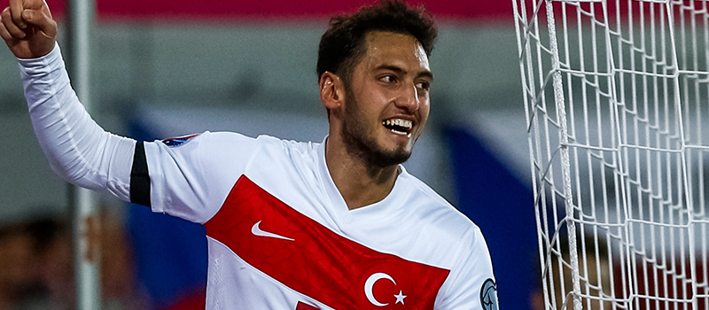 Hakan Calhanoglu: It would be hard to turn Manchester United and Barcelona down