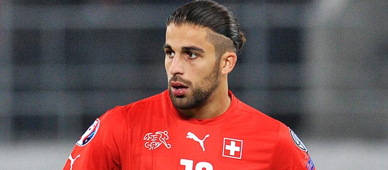 Wolfsburg managing director Klaus Allofs warns clubs off Ricardo Rodriguez