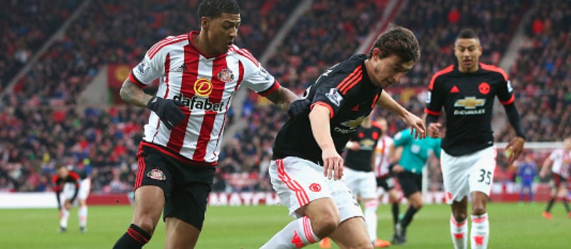 Sunderland 2-1 Manchester United: Champions League hopes handed a blow