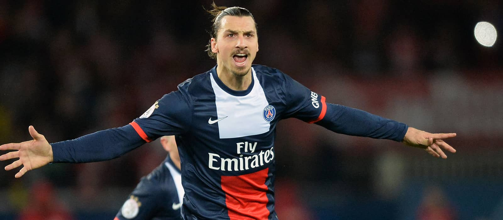 Man Utd could miss out on Ibrahimovic if they keep van Gaal – report
