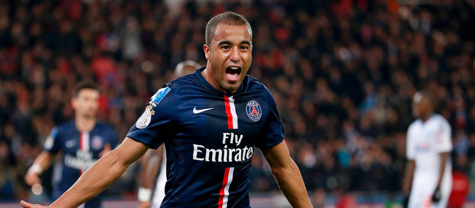 Tony Gale: Lucas Moura has what Manchester United needs, would be good signing
