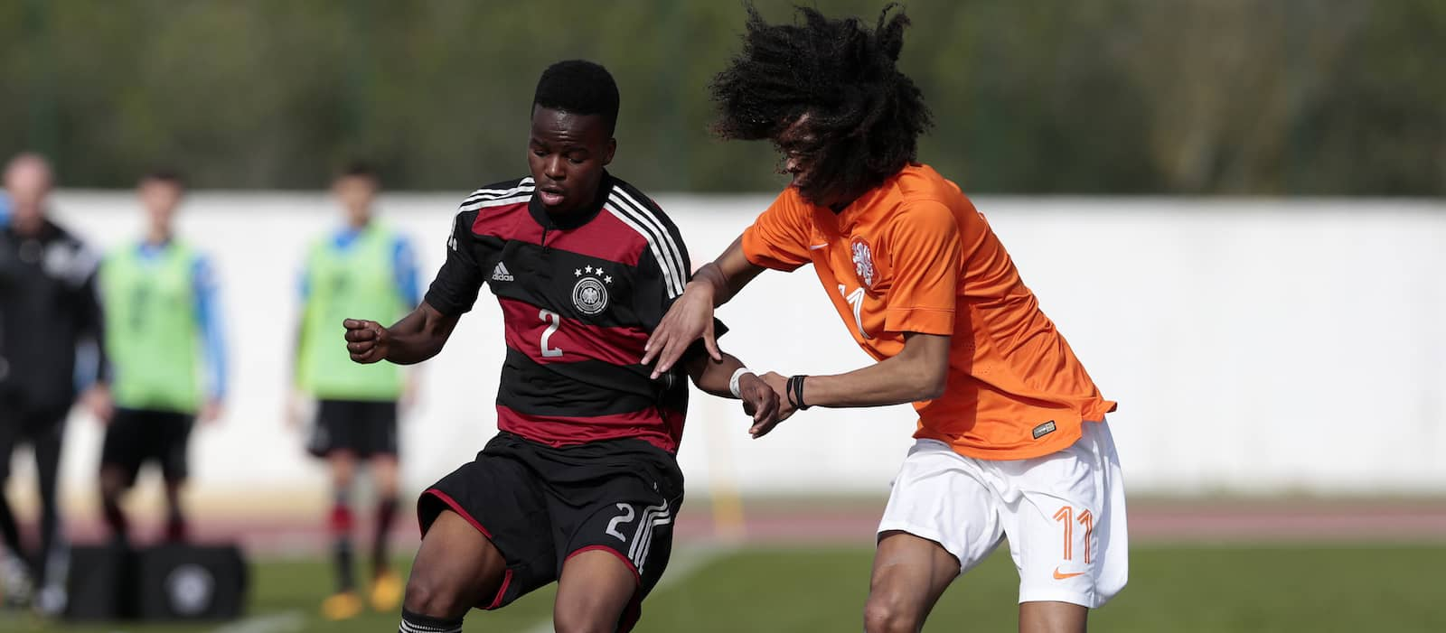 Manchester United youngster Tahith Chong suffers serious knee injury