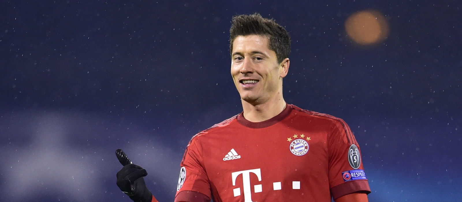 Carlo Ancelotti reacts to Robert Lewandowski's potential Man United transfer