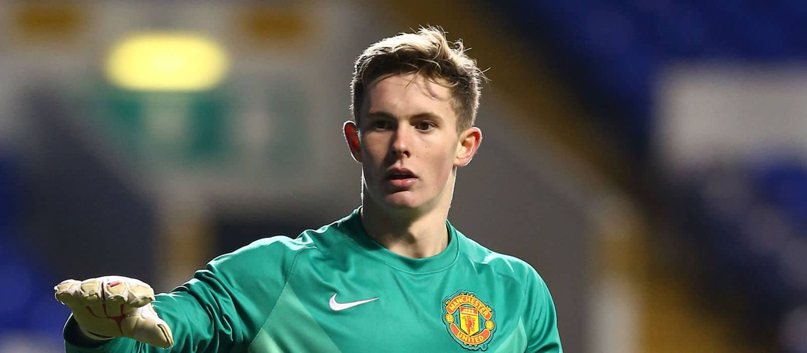 Manchester United's Dean Henderson has signed for Grimsby Town on loan