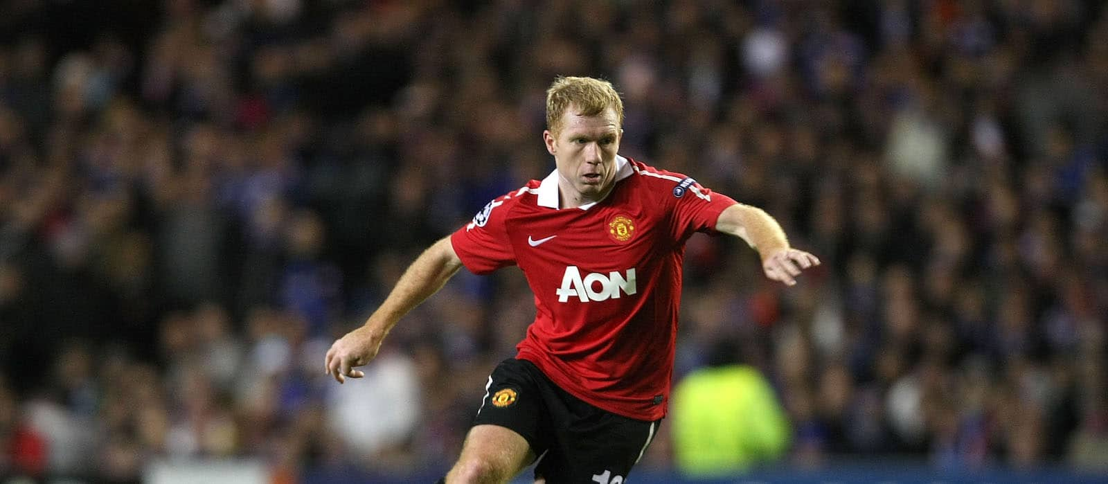 Paul Scholes emphatically voted Man United's best ever midfielder