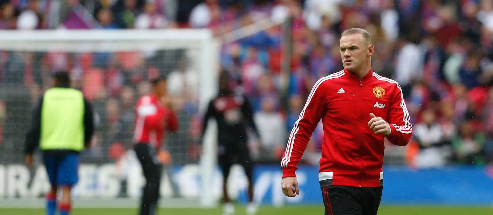 Manchester United delighted with Jose Mourinho's decision to exclude Wayne Rooney