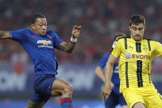 Man United duo Memphis Depay and Daley Blind named Netherlands squad