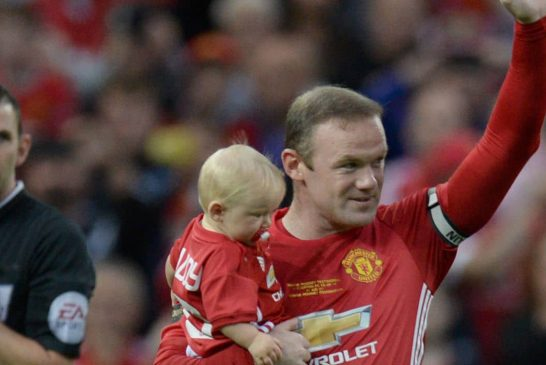 Red Thoughts: Should Wayne Rooney be automatic first choice No.10 at Manchester United?