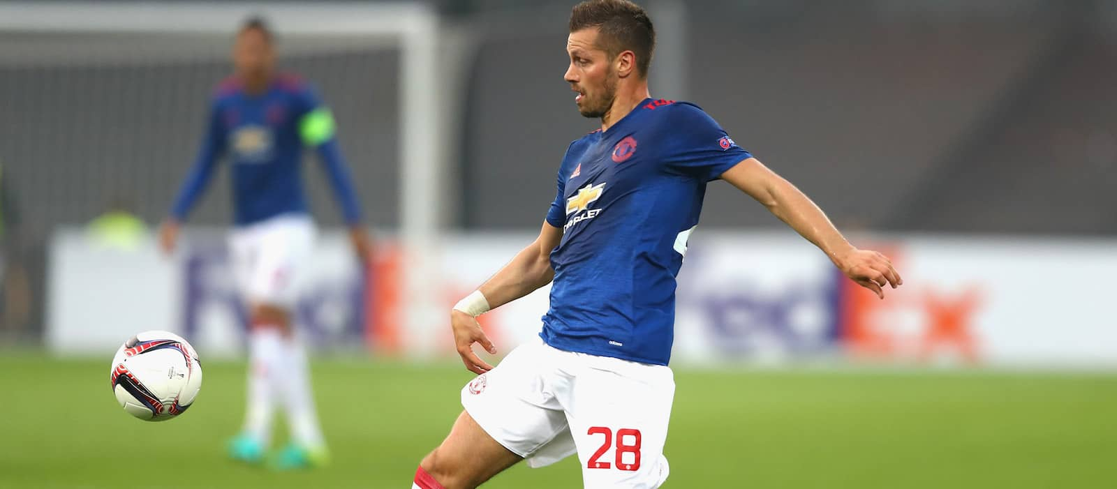 Manchester United midfielder Morgan Schneiderlin set to undergo medical at Everton
