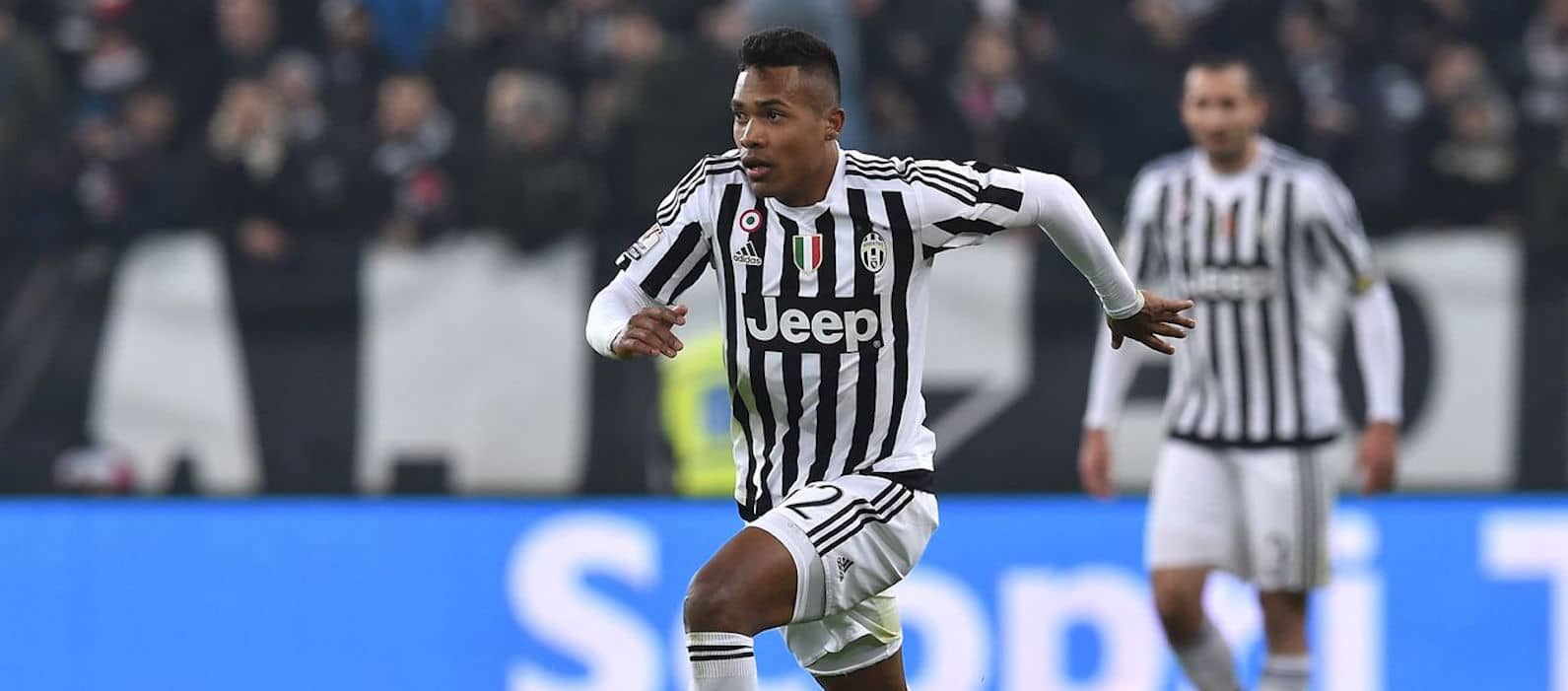 """Manchester United have a """"good chance"""" of signing Alex Sandro if they use Darmian as bait – report"""