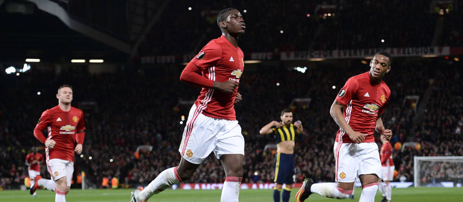 Man United fans disappointed with Paul Pogba's performance against Man City