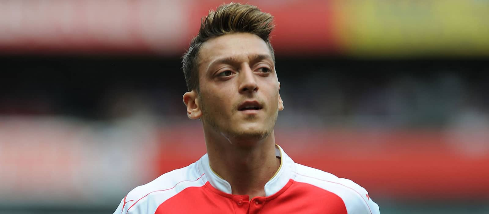 Mesut Ozil speaks out amid speculation surrounding Manchester United move