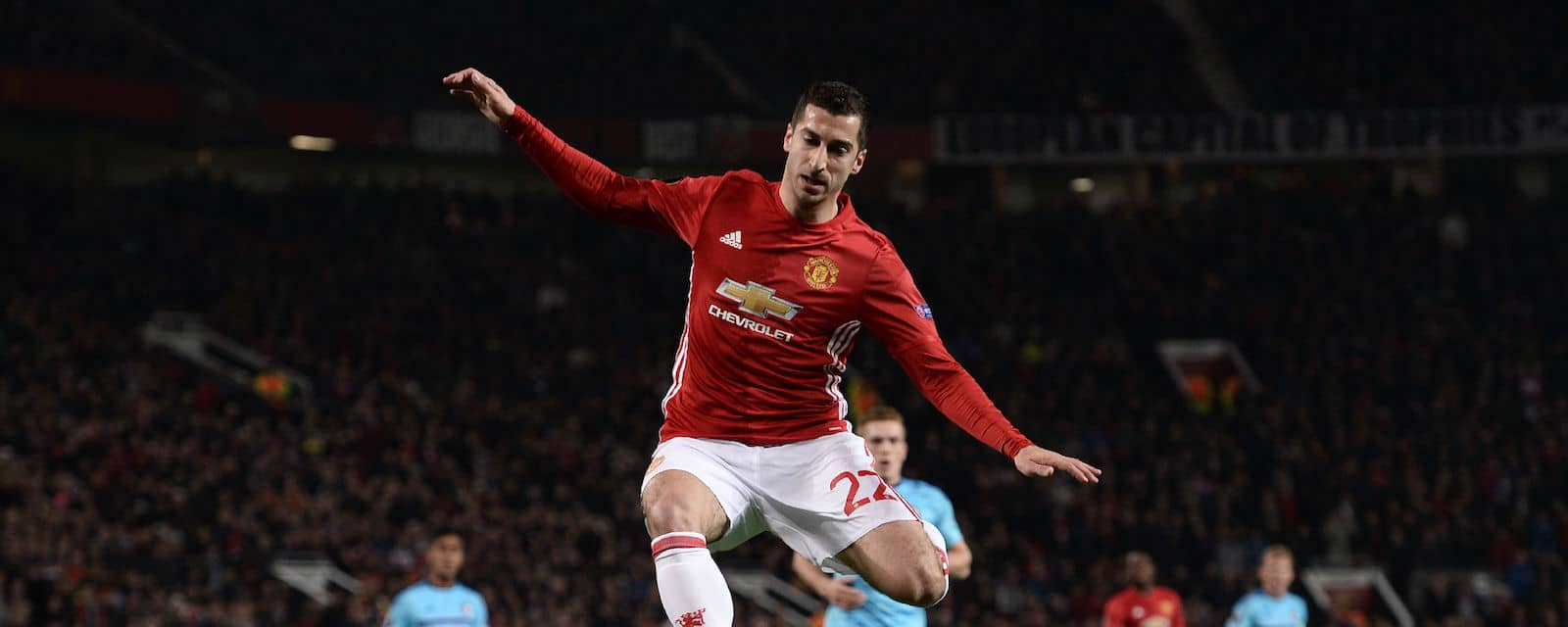 Man United fans delighted with Henrikh Mkhitaryan's performance against Feyenoord