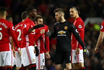 Jamie Carragher reacts to Manchester United's 1-1 draw against Everton