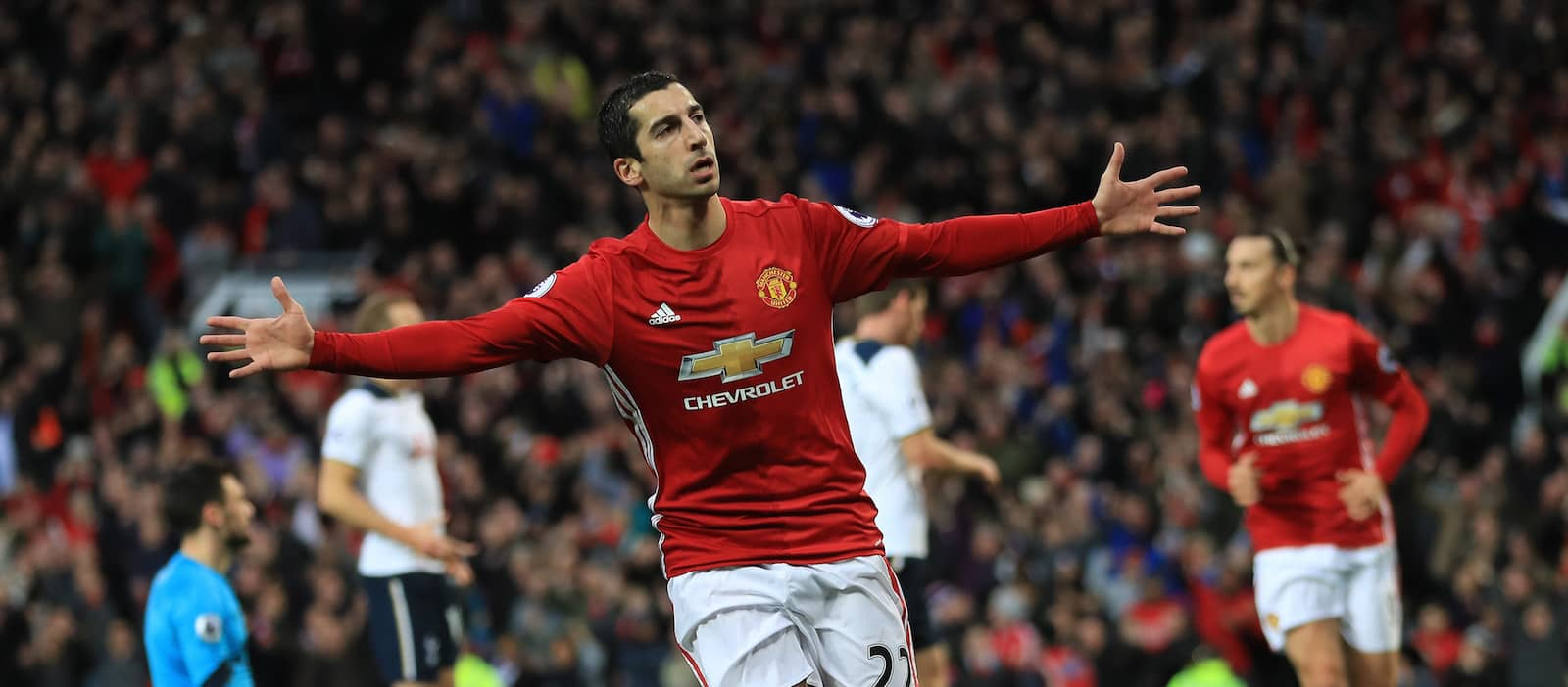 Mkhitaryan provides injury update for Manchester United fans