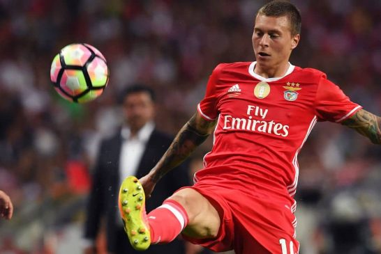 Manchester United to face battle with Roma in pursuit of Victor Lindelof – report