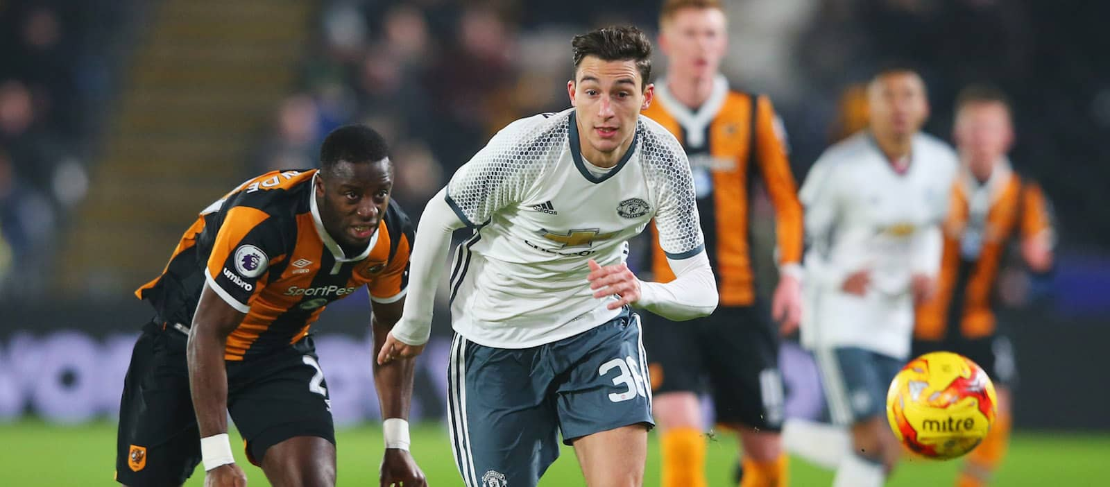 Roma set to rival Inter Milan in pursuit of Matteo Darmian this summer – report