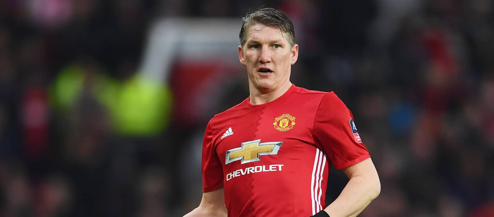 Manchester United players react to Bastian Schweinsteiger s