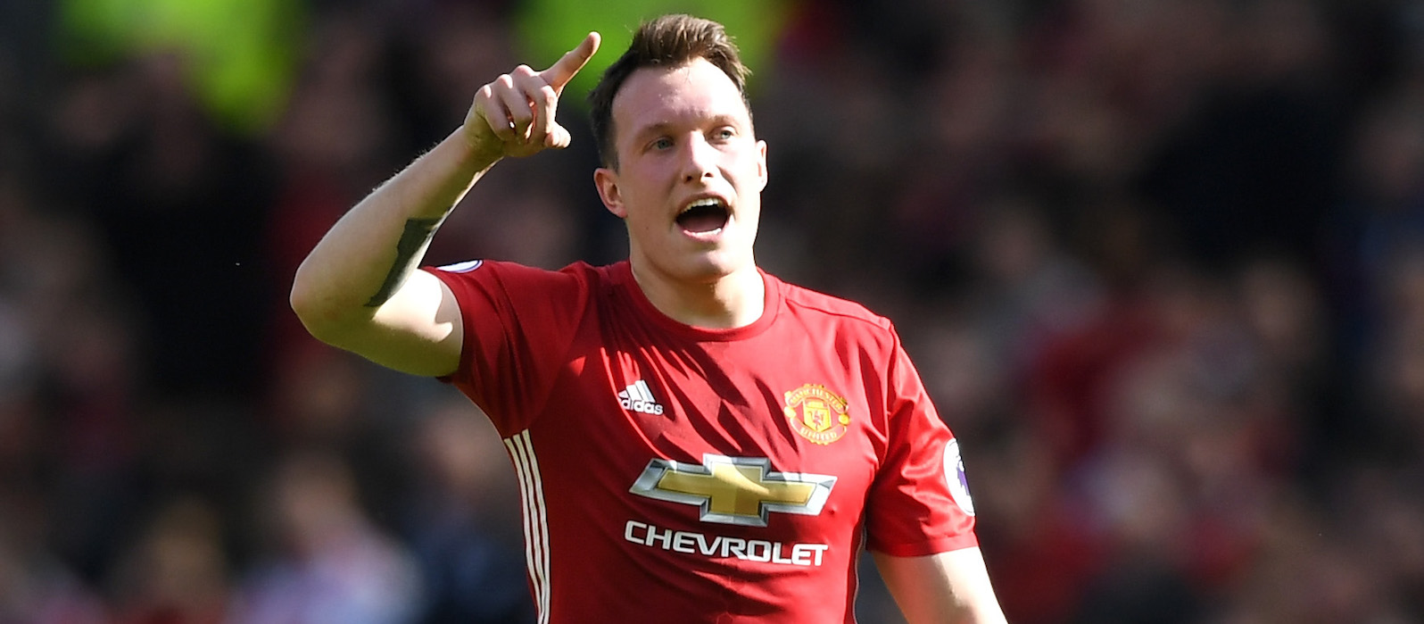 Phil Jones: Manchester United showed character to beat Burnley and narrow gap to Man City