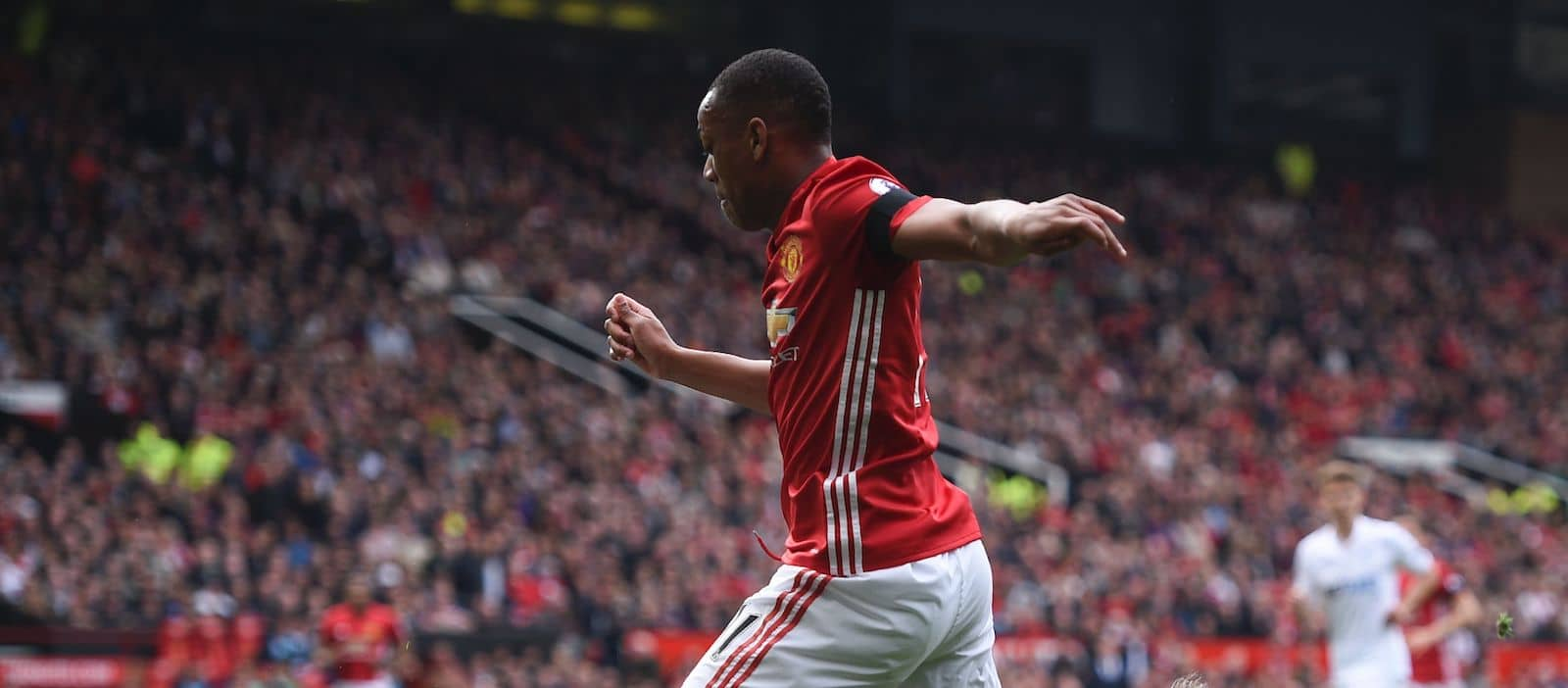 Manchester United prepared to offer Anthony Martial for Jerome Boateng – report