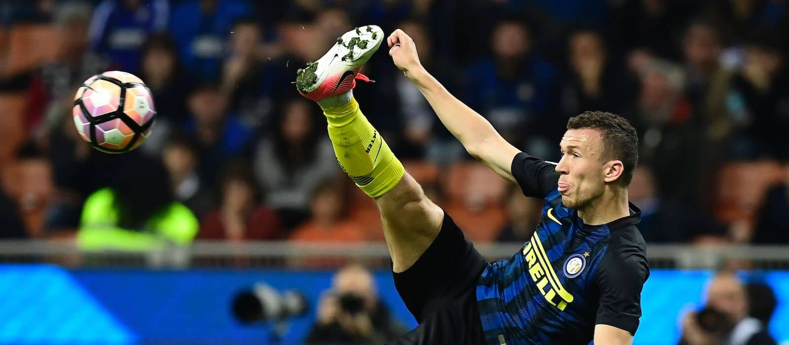 Official: Manchester United target Ivan Perisic signs new contract with Inter Milan