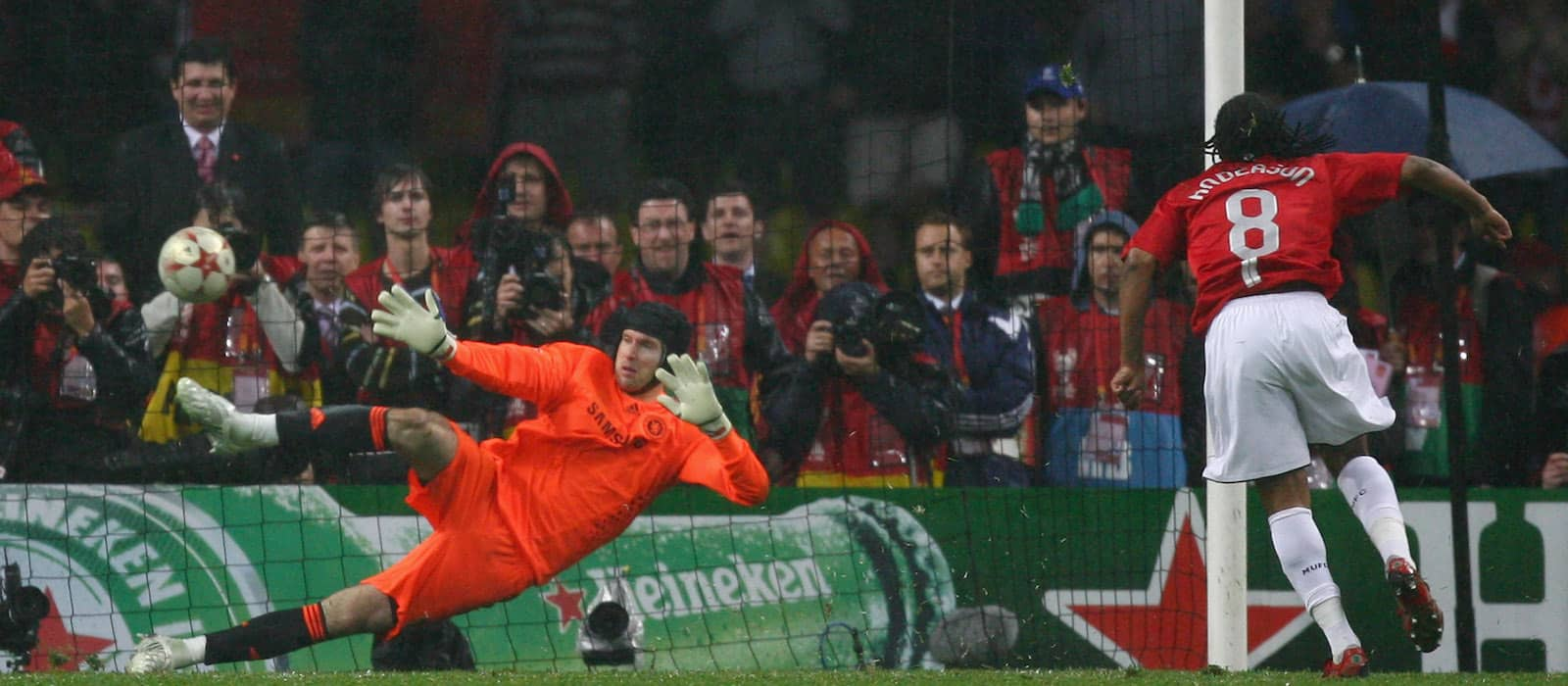 Anderson recalls taking a penalty in the 2008 Champions League final