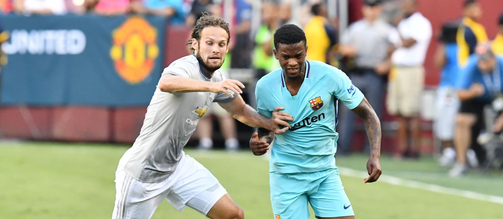 From Holland: Daley Blind on the verge of completing Ajax move