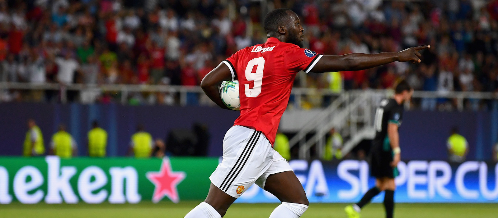 Jamie Carragher believes Romelu Lukaku will make Manchester United title contenders this season