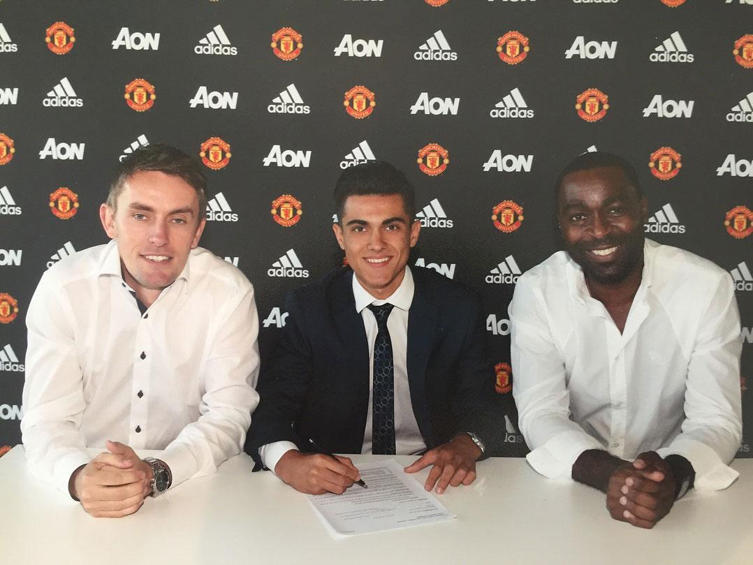 Manchester United complete signing of Spain U18 worldwide Arnau Puigmal Martinez