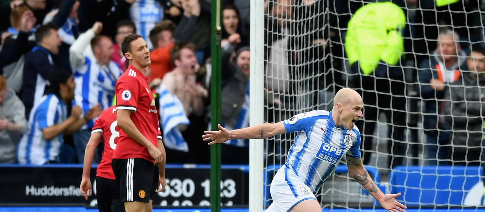 Manchester United players blasted by away fans after Huddersfield match