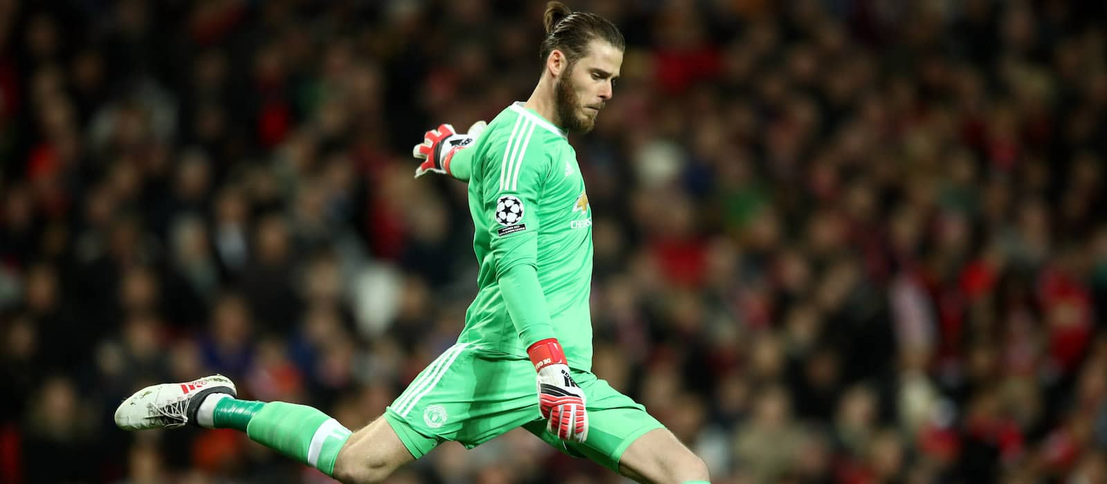 Sam Johnstone: Manchester United's David de Gea is the best goalkeeper in the world