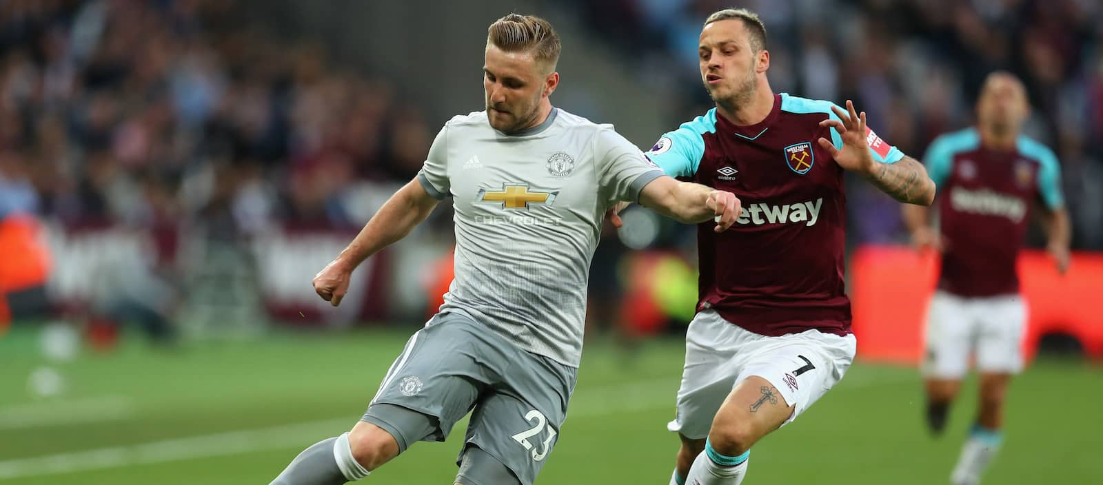 Manchester United fans pleased with Luke Shaw's performance vs Club America